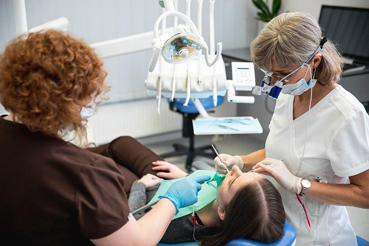 Dantų gydymas (nuotrauka)